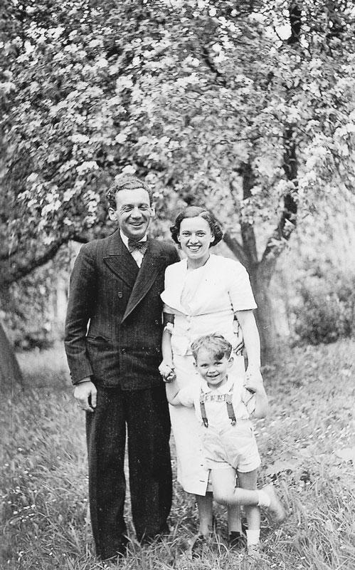 Thomas Buergenthal med sina föräldrar
